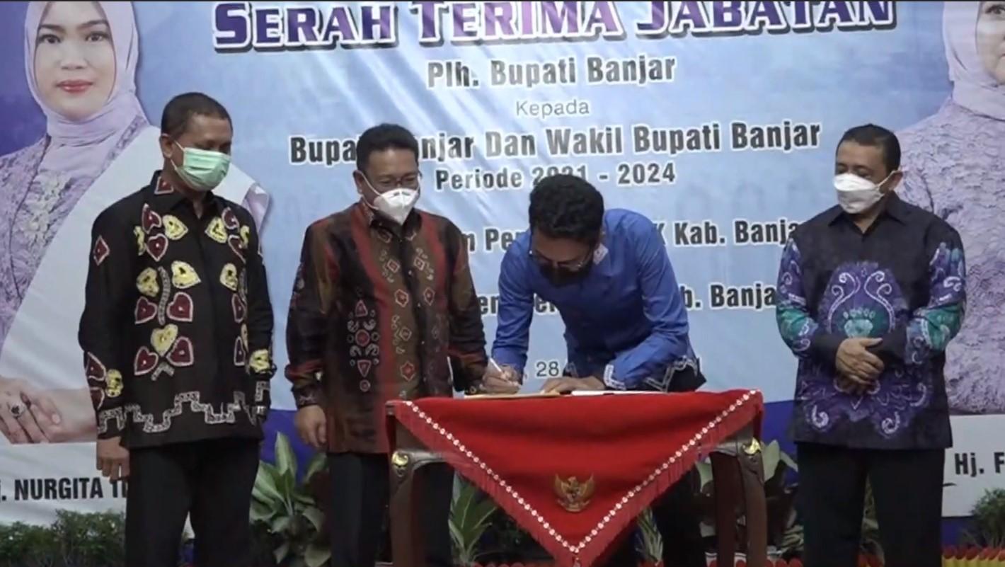 Sertijab Plh Bupati Banjar Kepada Bupati dan Wakil Bupati Banjar Periode 2021-2024