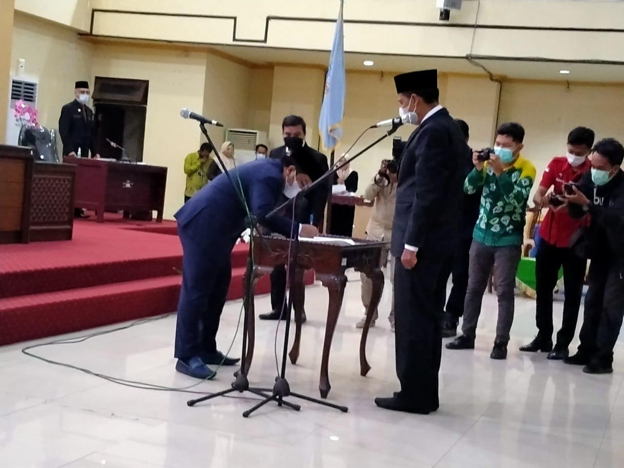 Ketua DPRD Kabupaten Banjar Pimpin Pelantikan Anggota PAW Perdana Periode 2019-2024