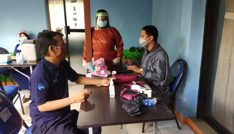 Karyawan DKISP Banjar Jalani Vaksinasi Tahap II