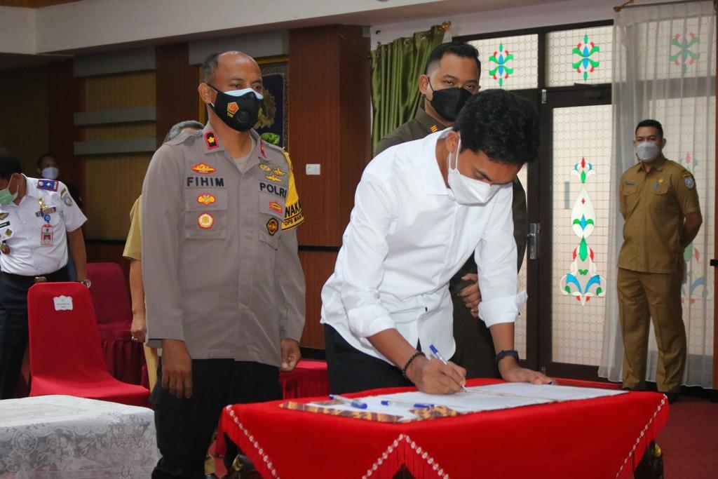 Bupati Banjar Saidi Mansyur Pimpin Deklarasi Damai Pemilihan Pembakal Serentak