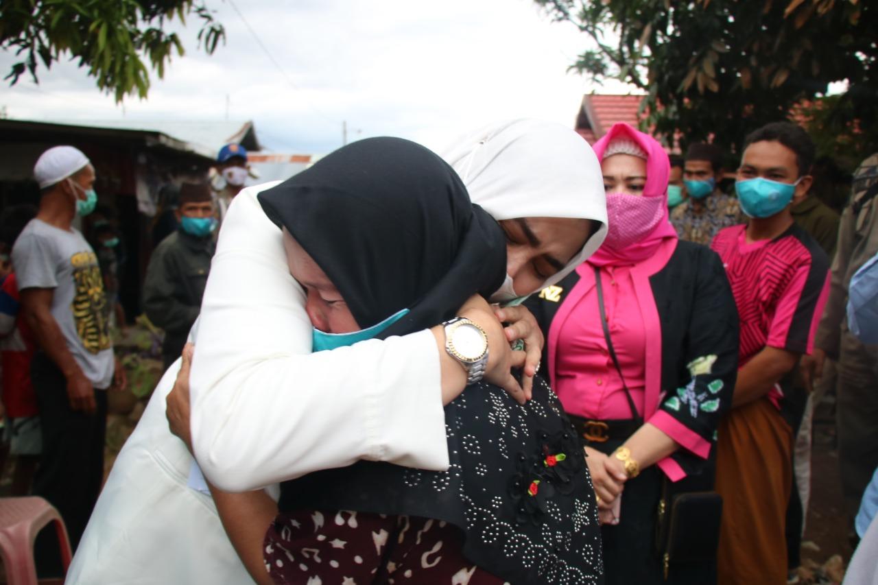 PELITA Ramadan Kunjungi Korban Kebakaran di Astambul